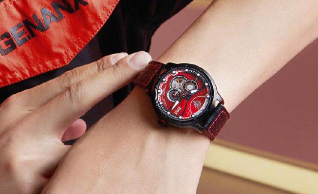 红扎古与威利默克联名手表周边产品设计